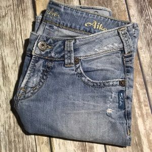 Silver Jeans Aiko Boot Cut 27 x 31 Light Wash